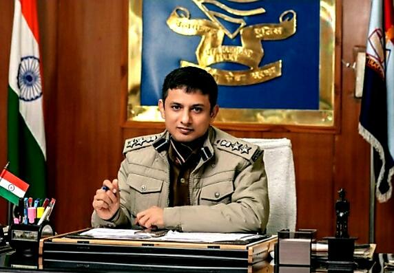 डीआईजी प्रमोट होने के बावजूद दून  एसएसपी अरुण मोहन जोशी अपने पद पर चार महीने ओर बने रहेंगे