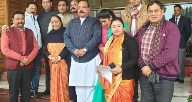 हमने महामहिम को बताया कि किस प्रकार से बीजेपी सरकार जनविरोधी कार्य कर रही है …प्रदेश कोंग्रेस अध्यक्ष प्रीतम सिंह
