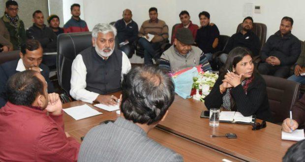 सीएम उत्तराखण्ड के नव नियुक्त आई.टी सलाहकार रविन्द्र दत्त ने आई.टी विभाग के साथ की बैठक