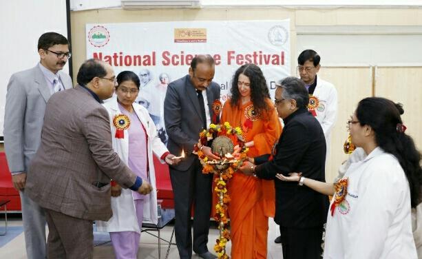 एम्स ने भी विज्ञान दिवस मनाया