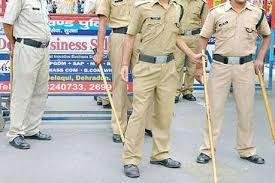 दो पुलिसकर्मी उगाही की शिकायत पर हुए लाइन हाजिर