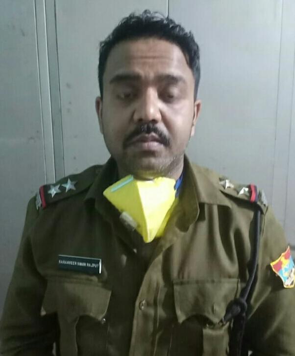 Breaking..नकली पुलिस वाला बहरूपिया असली पुलिस के शिकंजे में फंसा