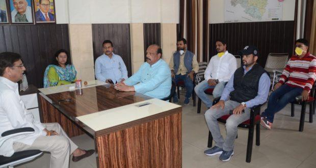 समय रहते व्यवस्थायें की होती तो फंसे मजदूरों को अपने घर तक पहुंचने का समय मिल जाता…प्रीतम सिंह कोंग्रेस प्रदेश अध्यक्ष