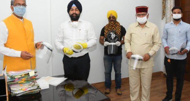 ओएचपी फेस शील्ड जीवन रक्षक के रूप में सफल है …मुख्यमंत्री त्रिवेंद्र