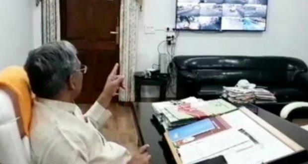 सीएम त्रिवेंद्र कोरोना पर स्वयं फीडबैक लेकर अधिकारियों को कर रहे लगातार निर्देशित