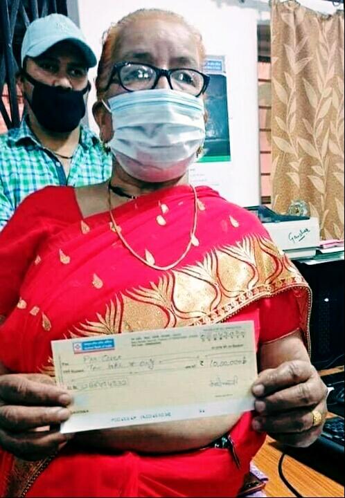 चमोली जिले की बुजुर्ग महिला देवकी भंडारी ने पीएम केयर फंड को दिए अपनी जमापूंजी के 10 लाख धन्य है आप…सीएम त्रिवेंद्र