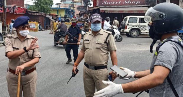 लॉक डाउन मेअभी तक 6394 अभियुक्त गिरफ्तार जबकि 17141 वाहनों का चालान ओर 81.91लाख वसूले…उत्तराखण्ड पुलिस