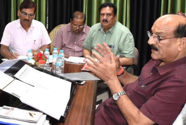 टिड्डी दल से बचाव को तुरंत विभाग को अवगत करायें तत्काल कार्यवाही होगी….कृषि मंत्री सुबोध