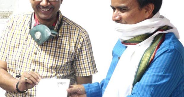 सहायक निदेशक सूचना मनोज श्रीवास्तव की पुस्तक बनता आसमाँ' पुस्तक का लोकार्पण केबिनेट मंत्री धन सिंह ने किया