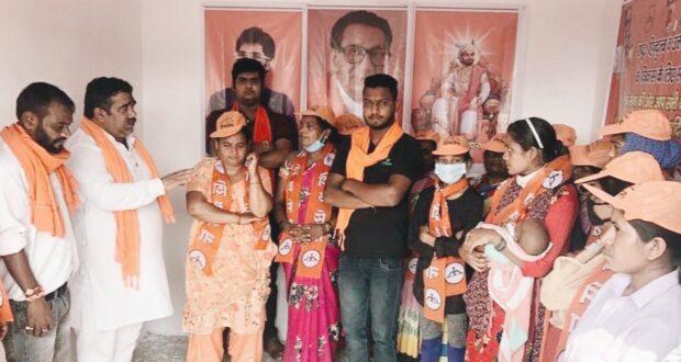 प्रदेश की जनता का भाजपा और कांग्रेस से मोहभंग हो रहा है  विकल्प के रूप में शिवसेना की बाह थाम रहे है… गौरव कुमार  प्रदेश प्रमुख