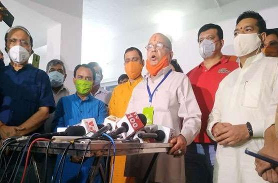 गजब भाजपा ने प्रणव चैंपियन छःसाल को किया था निष्कासित परन्तु तेरह महीने में ही  माफी मिल गयी
