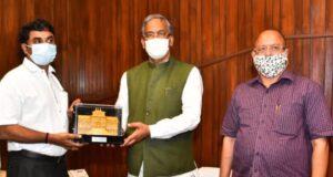 उत्तराखण्ड में रक्षा से जुड़े उद्योगों ओर खेती किसानी को बढ़ाने को लेकर DRDO के चेयरमैन सतीश रेड्डी सीएम त्रिवेंद्र से मिले