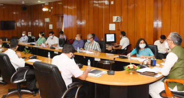 सीएम त्रिवेंद्र : उरेडा द्वारा संचालित योजनाओं में पिरूल से बिजली उत्पादन को स्वयं सेवी संस्थाओं को जरूर जोड़ें,