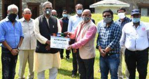 सीएम त्रिवेंद्र ने दिया कुतुब मीनार का मुहूर्त शॉट