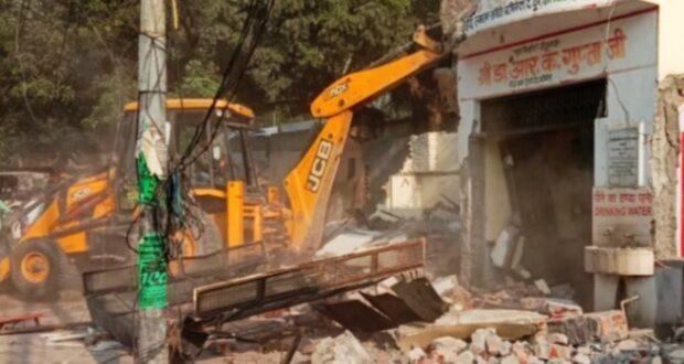 ऋषिकेश में सड़क चौड़ीकरण की जड़ में आया शहिद स्मारक तोड़े जाने पर राज्य आंदोलनकारी आक्रोशित
