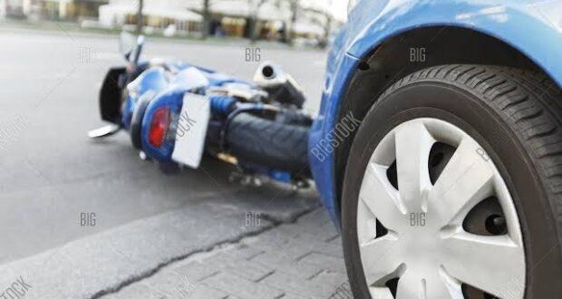 वीवीआईपी रोड ईसी रोड पर खतरनाक स्टंट ड्राइव ने ले ली बाइक सवार एक की जान दूसरे की हालत नाजुक