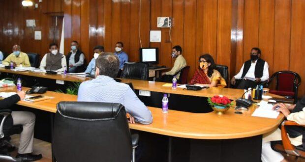 मुख्यमंत्री ने सितारगंज की समस्याओं को लेकर अधिकारिओ की लगाई क्लास