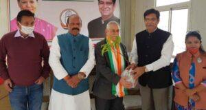 पीवीएसएम,वीएसएम विजेता ले.जन. एम.सी. बधानी (अ प्रा) ने की कोंग्रेस की सदस्यता ग्रहण