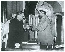 भारत का संविधान दुनिया का सबसे बड़ा लिखित संविधान,26 नवम्बर यानी सँविधान दिवस
