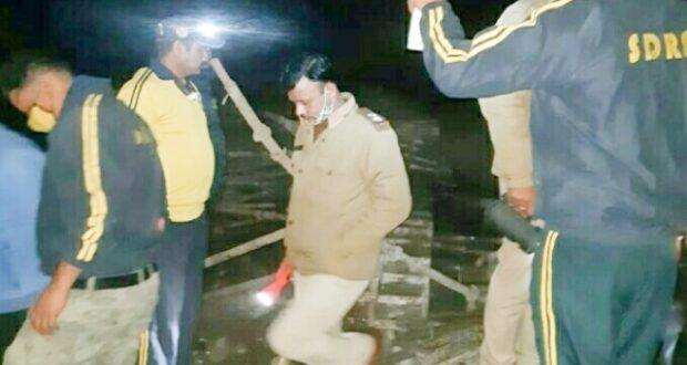 दुःखद..ऋषिकेश बद्रीनाथ राष्ट्रीय राजमार्ग मार्ग 58 पर निर्माणाधीन पुलिया गिरने से एक दर्जन से ज्यादा घायल,एक मजदूर मरने की खबर
