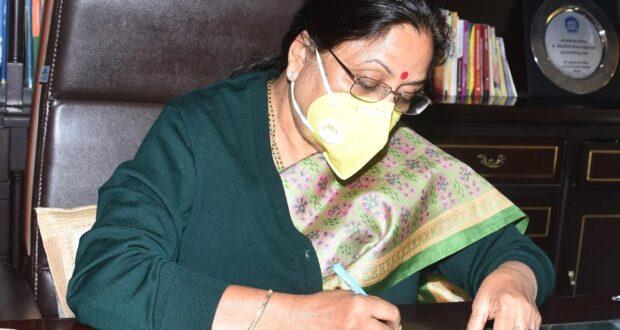राज्यपाल श्रीमती बेबी रानी ने  क्वॉरंटीन अवधि पूर्ण कर राजभवन के अपने कार्यालय में बैठना प्रारंभ किया..