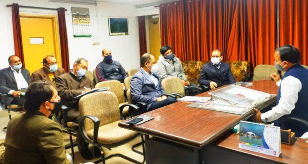 आवास विभाग  बनायेगा श्रीनगरमें बस ओर चौबट्टाखाल में टैक्सी स्टैंड।
