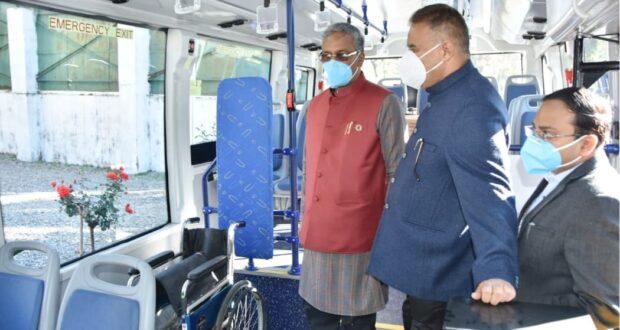 राजधानी में इलेक्ट्रिक बस,सीएम त्रिवेंद्र ने किया ट्रायल का फ्लैग ऑफ