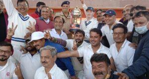 उत्तरांचल प्रेस क्लब की अजय गौतम मेमोरियल टी-20 क्रिकेट टूर्नामेंट में रॉयल स्टार्स ने कैपिटल रेंजर्स को हरा ट्रॉफी कब्जाई