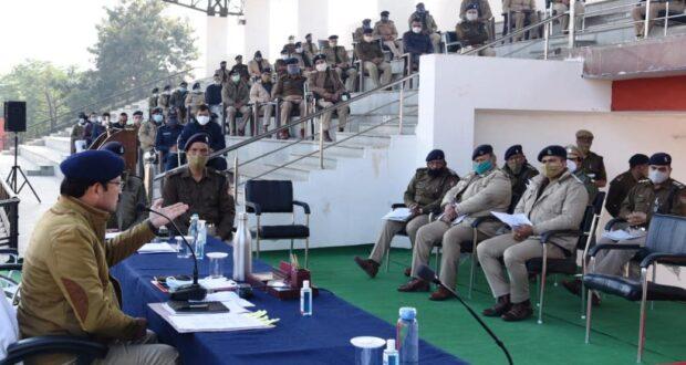 सोमवार से शुरू हो रहे विधान सभा के शीतकालीन सत्र हेतु एसएसपी योगेंद्र रावत ने की ब्रीफिंग