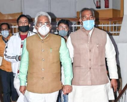 नवनियुक्त एसएसपी योगेंद्र रावत राज्यपाल से मिले।