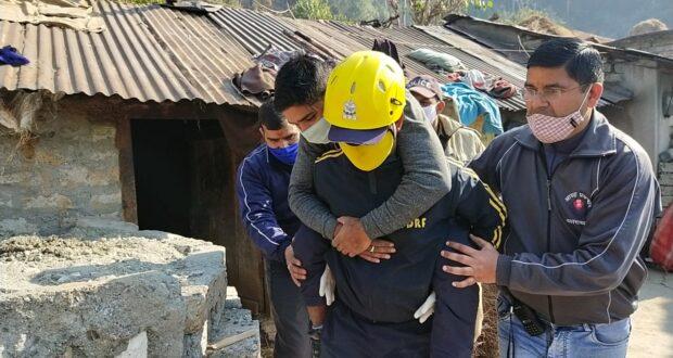 उत्तरकाशी जनपद  में  किया गया भूकम्प की खबर से हड़कम्प,जिला प्रशासन,पुलिस एवम SDRF की सँयुक्त मॉकड्रिल ,
