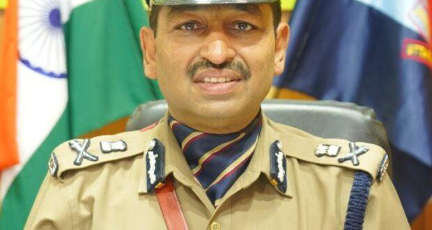 डीजीपी अशोक कुमार ने यूएसनगर के समस्त सोशल मीडिया माॅनिटरिंग, सोशल मीडिया सेल के प्रभारी एवं थाना बाजपुर के रात्रि अधिकारी को निलम्बित करने के आदेश