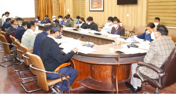 जिला अनुमोदन समिति के अनुमोदन के बाद भी बैंक से आवेदन रिजेक्ट होने पर डीएम नाराज