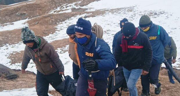 नए साल पर औली पहुंचे जम्मू कश्मीर के युवक का शव SDRF ने बर्फ से ढूंढ निकाला