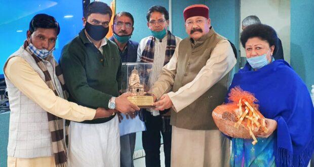 सतपाल महाराज के नेतृत्व में ऊर्जा राज्य मंत्री राजकुमार सिंह के साथ प्रतिनिधिमंडल के बीच विस्थापितों की समस्याओं के समाधान