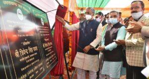 बद्रीपुर में सीएम त्रिवेंद्र ने किए 508 लाख के शिलान्यास और 416 लाख के लोकार्पण