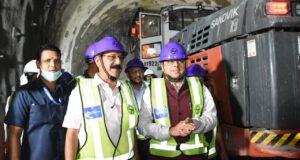 सीएम धामी पहुंचे ऋषिकेश कर्णप्रयाग रेल परियोजना,बैठक के बाद साइट विजिट भी की