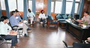 एसएसपी जन्मेंजय खंडूरी ने दून के ट्रैफिक को लेकर फिर ली विभागों की क्लास