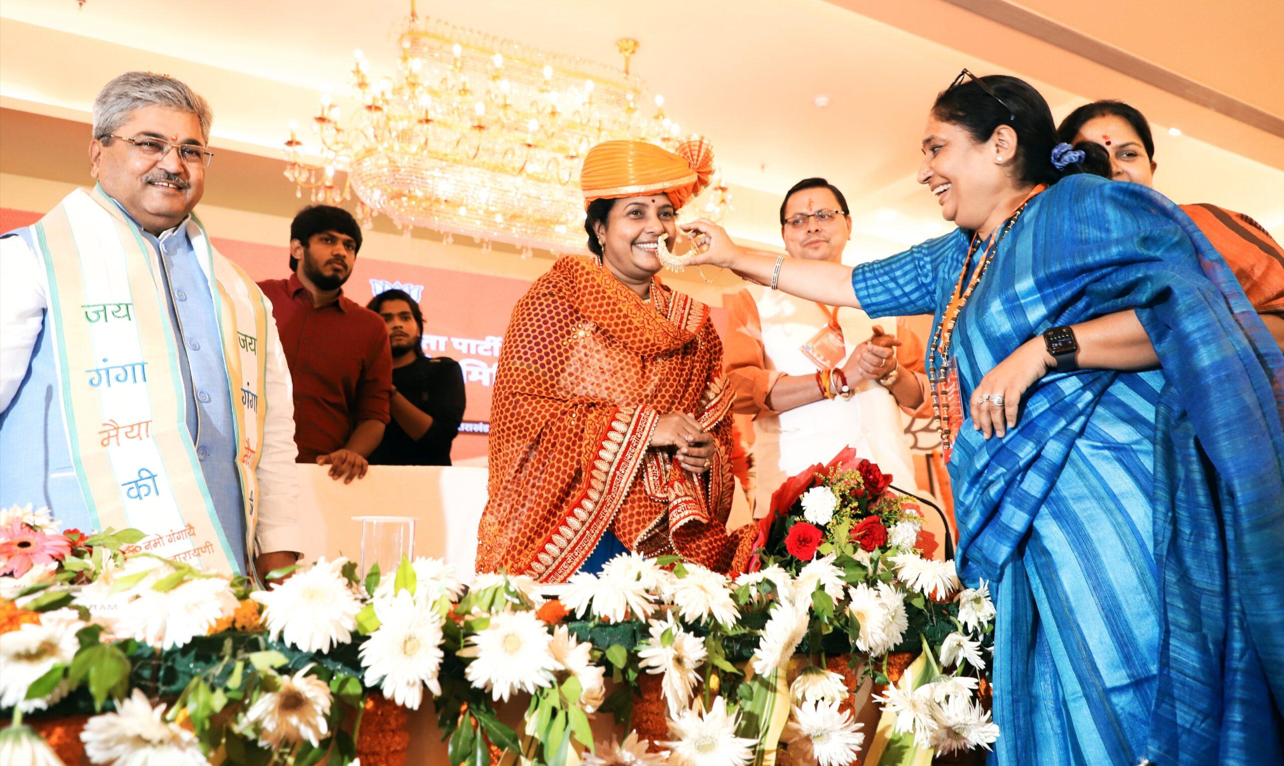 इस देश में महिलाओं को सर्वाधिक सम्मान मिल रहा है…वानाती श्रीनिवासन